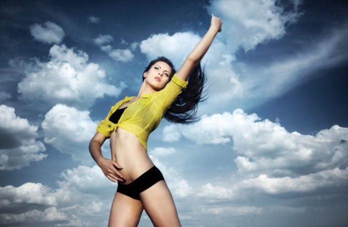 Alt_cuerpo de mujer en forma