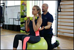 Alt_ejercicios con pesas con el entrenador personal Rubén Encina