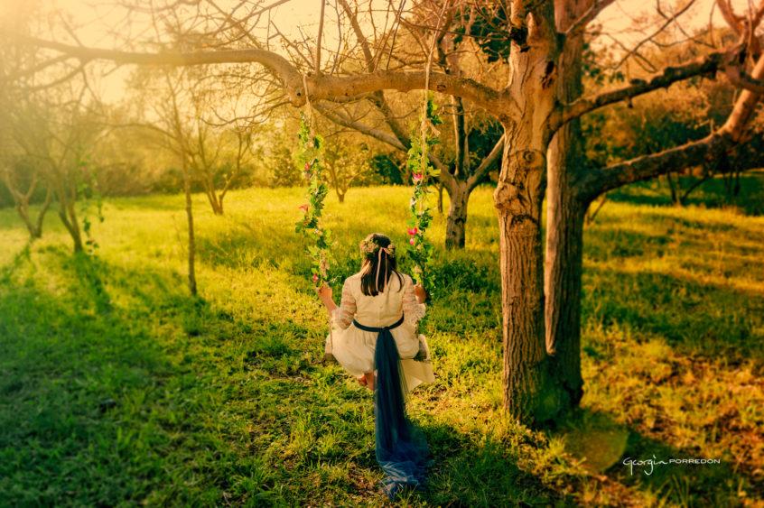Alt_fotografía exterior niña comunión by Georgia Porredón