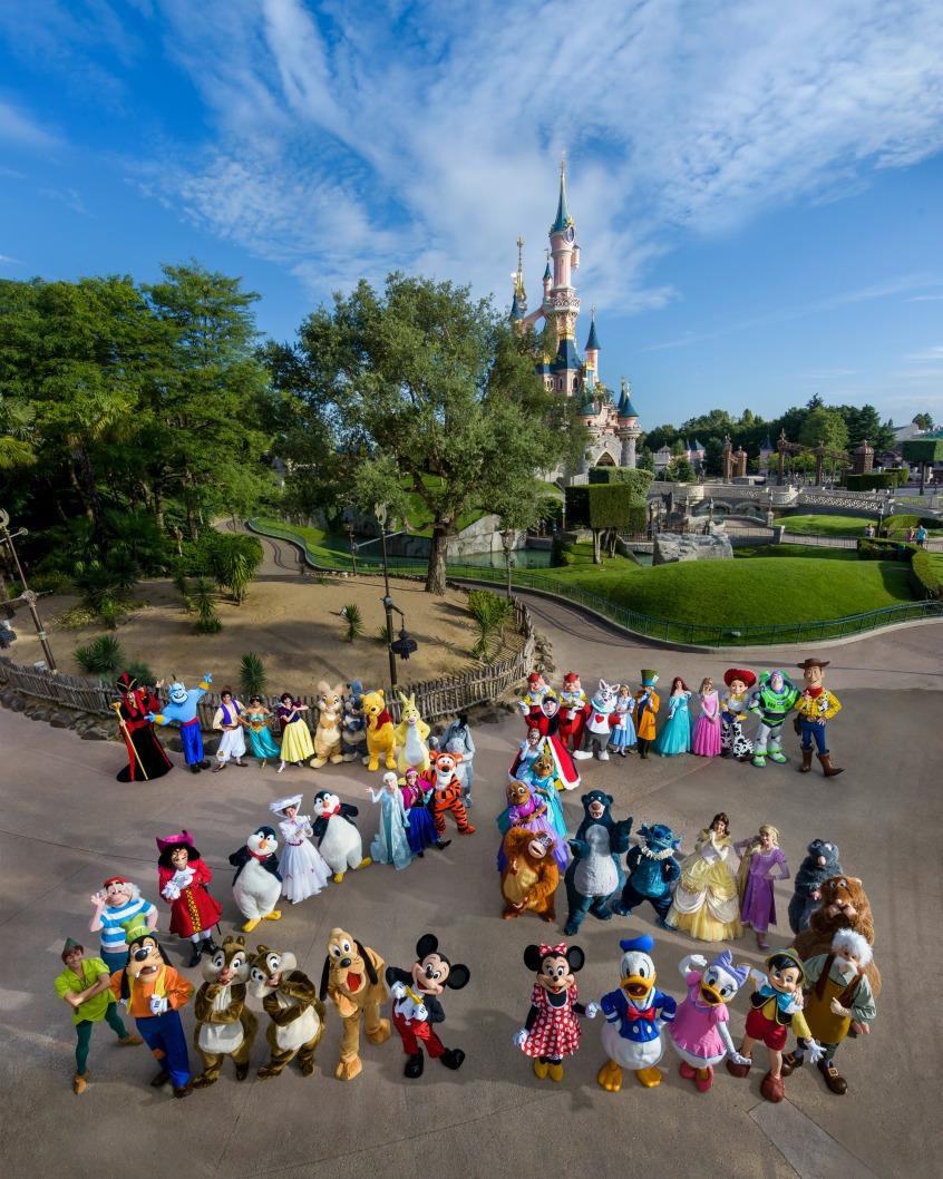 Alt_imagen personajes Disney en Disneyland Paris